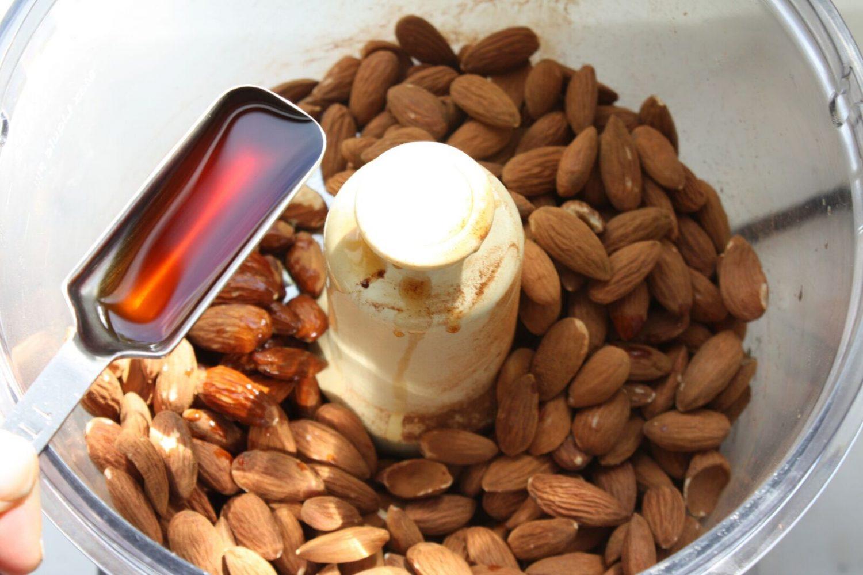 making almond butter